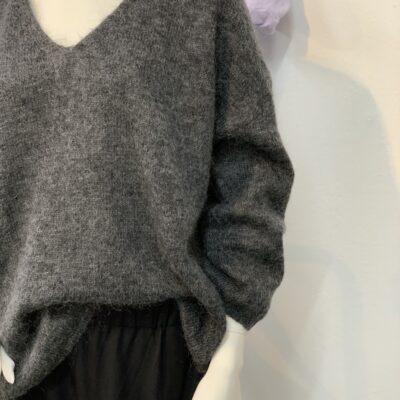 mohairtröja v-ringad grå