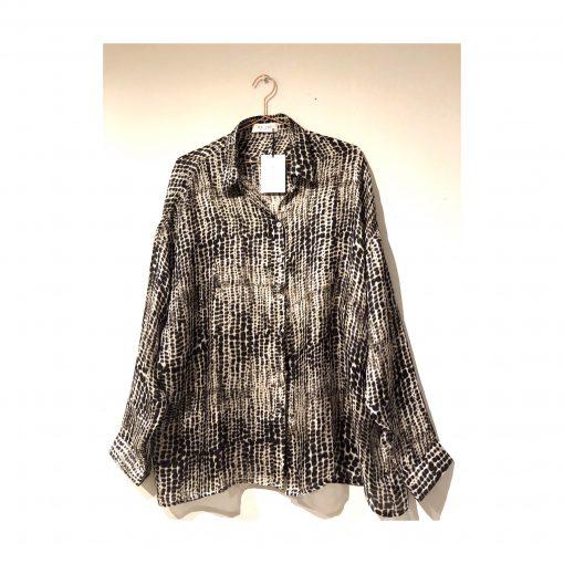Astrid printed long silk shirt