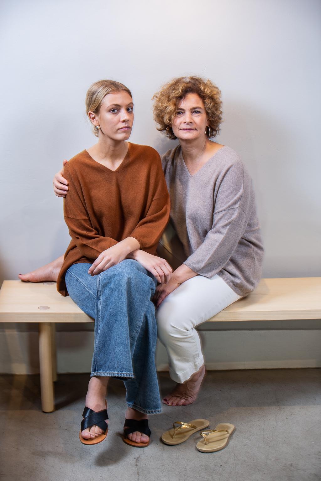Mörkbeige melerad cashmere tröja Ebba | WE TWO STOCKHOLM