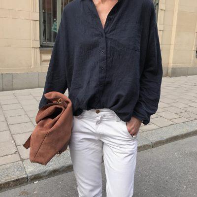 Marinblå linneskjorta Alma