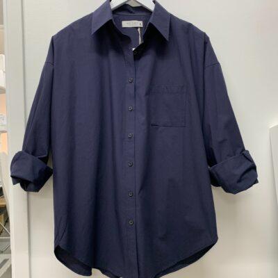 marinblå bomullskjorta