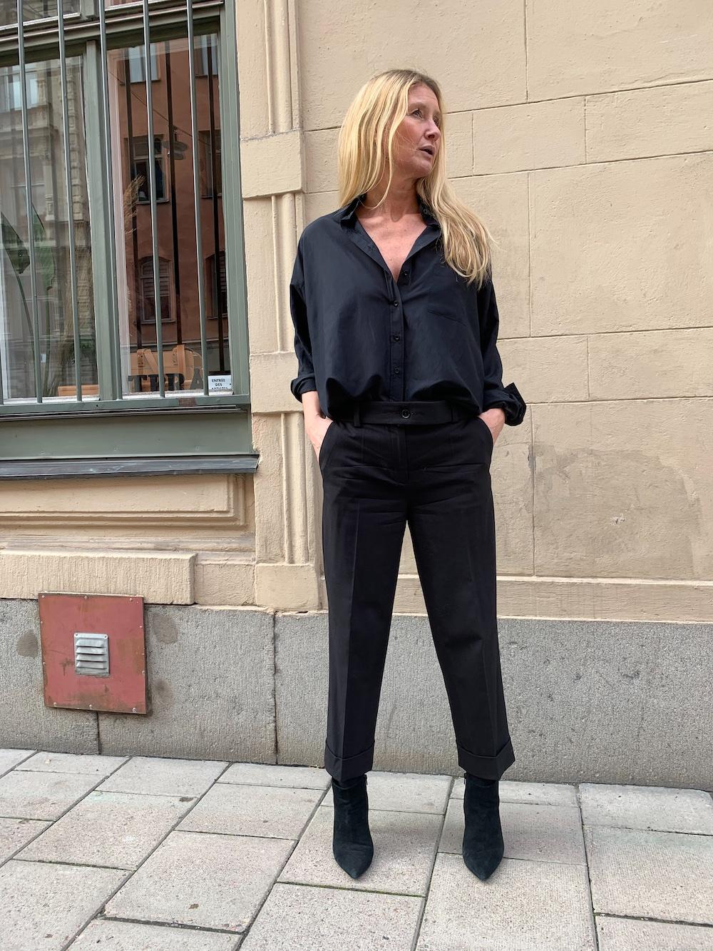 black shirt in silk