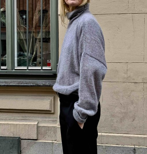 gray knitted sweater polo