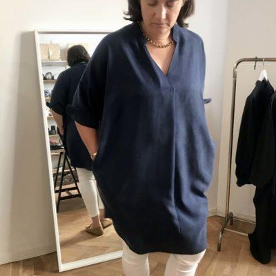 mellanblå klänning