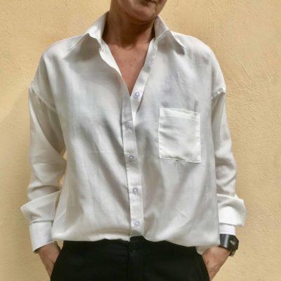 vit sidenskjorta emilia