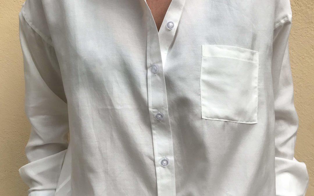 Klassiska vita skjortan