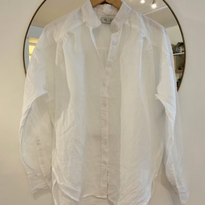 vit linneskjorta med detaljer