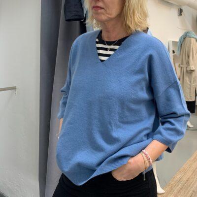 blå cashmere tröja