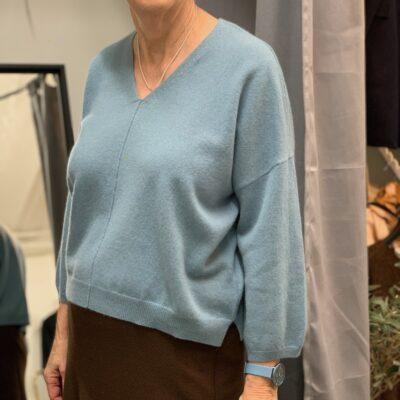 ljusblå cashmere tröja v-ringad