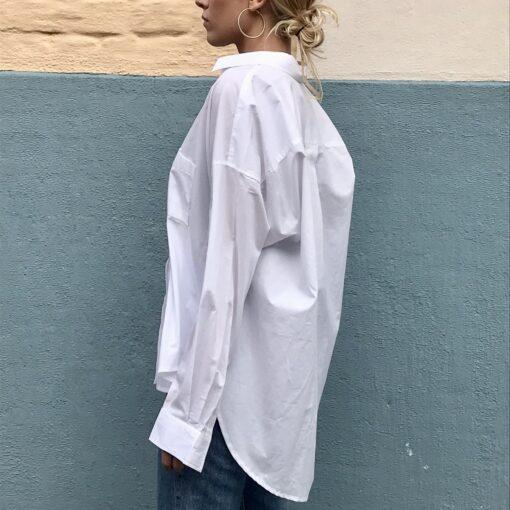 vit krispig bomullskjorta oversized