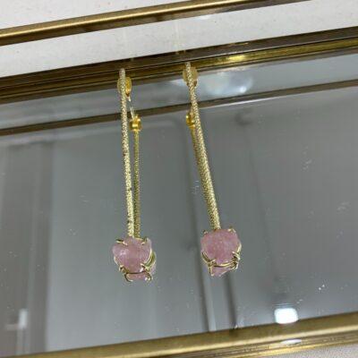handgjort örhänge med rosen quartz