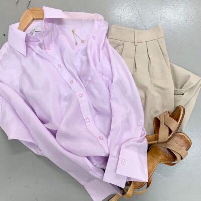 syrenfärgad skjorta i en sidenblandning