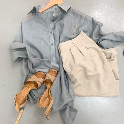grå sidenskjorta