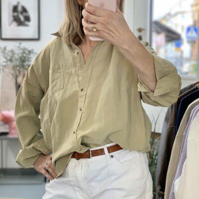 linne-sidenskjorta Alma khaki