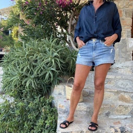 marinblå linneskjorta dam