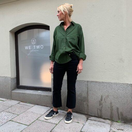 mörkgrön skjorta i bomull