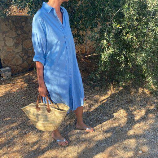 mellanblå skjortklänning